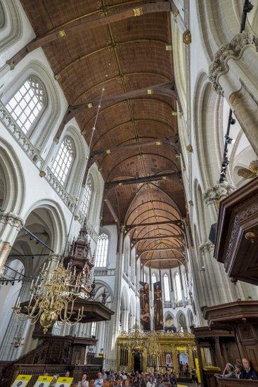 Amsterdam_Nieuwe-kerk-houten-plafond