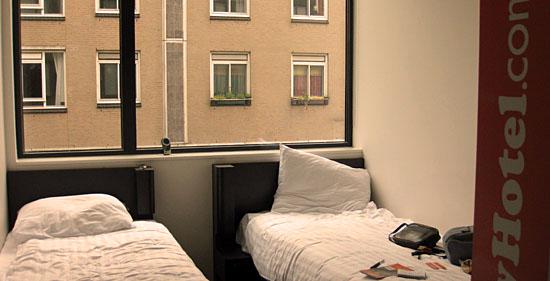 Amsterdam_easyhotel-amsterdam.jpg
