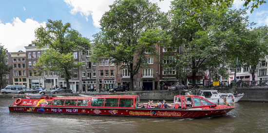 Amsterdam_hop-on-hop-off-cruise