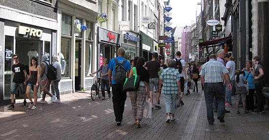 Tassen Kalverstraat Amsterdam : Winkelen in de kalverstraat amsterdam nu