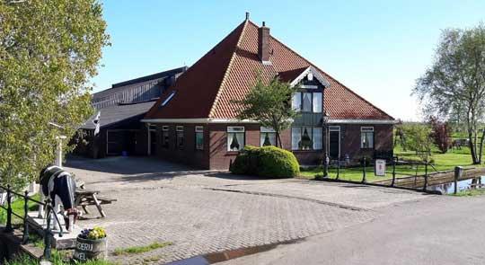 Amsterdam_stolpboerderij