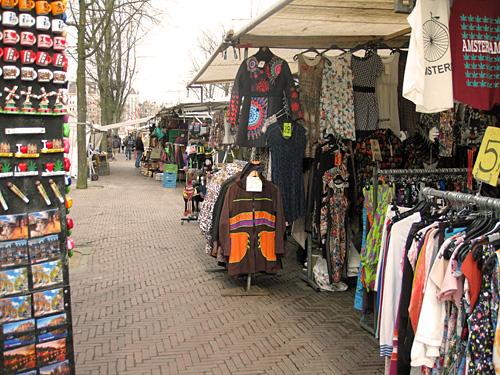 Amsterdam_waterlooplein_vlooienmarkt_1.jpg